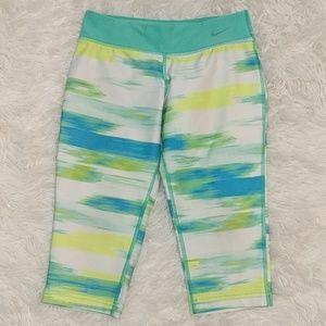 NIKE Dri-Fit Splash Capri Pants